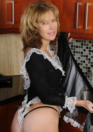 sexy naked moms cleaning